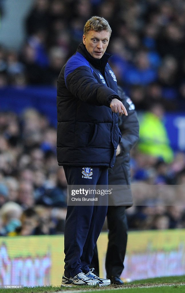 Everton manager David Moyes points during the FA Cup Fifth Round match between Everton and Blackpool at Goodison Park on February 18, 2012 in Liverpool, England.