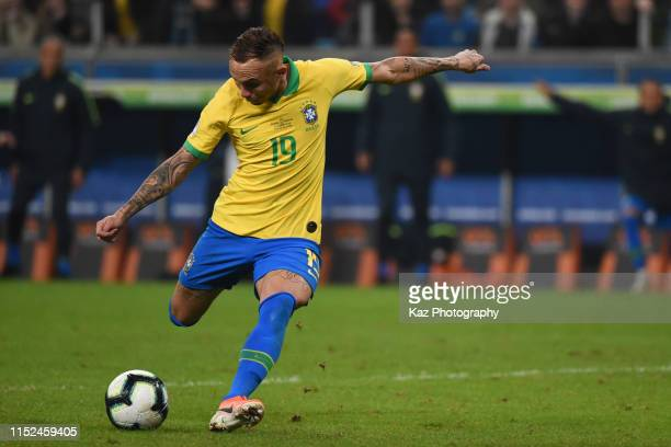 Everton of Brasil shoots the ball during the Copa America Brazil 2019 quarterfinal match between Brazil and Paraguay at Arena do Gremio on June 27,...