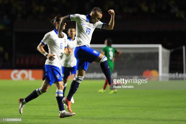Everton of Brazil celebrates after scoring the third goal of his team during the Copa America Brazil 2019 group A match between Brazil and Bolivia at...