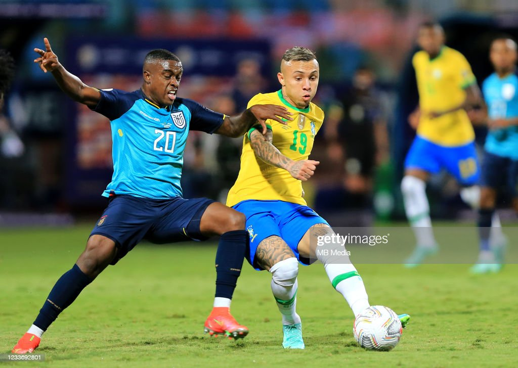 Brazil v Ecuador: Group B - Copa America Brazil 2021 : Nieuwsfoto's