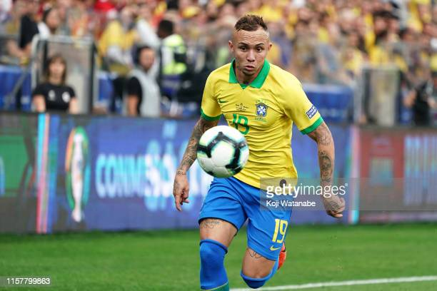 Everton of Brazil controls the ball during the Copa America Brazil 2019 group A match between Peru and Brazil at Arena Corinthians on June 22, 2019...