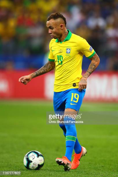 Everton of Brazil in action during the Copa America Brazil 2019 group A match between Peru and Brazil at Arena Corinthians on June 22, 2019 in Sao...