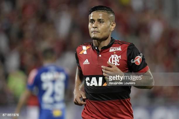 Everton of Flamengo celebrates a scored goal during the match between Flamengo and Cruzeiro as part of Brasileirao Series A 2017 at Ilha do Urubu...