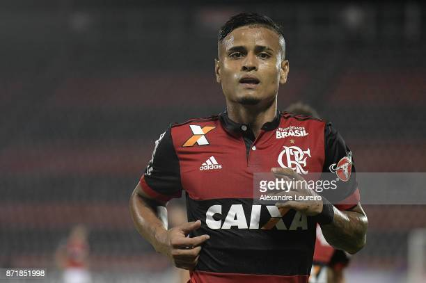 Everton of Flamengo celebrates a scored goal during the match between Flamengo and Cruzeiro as part of Brasileirao Series A 2017 at Ilha do Urubu...