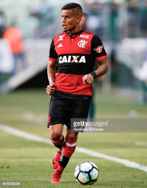 Everton of Flamengo in action during the match between Palmeiras and  Flamengo for the Brasileirao Series 9700848da4700