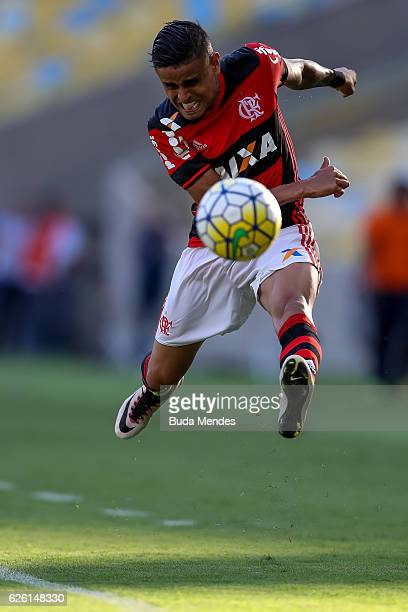 Everton of Flamengo kicks the ball with of Santos during a match between Flamengo and Santos as part of Brasileirao Series A 2016 at Maracana stadium...