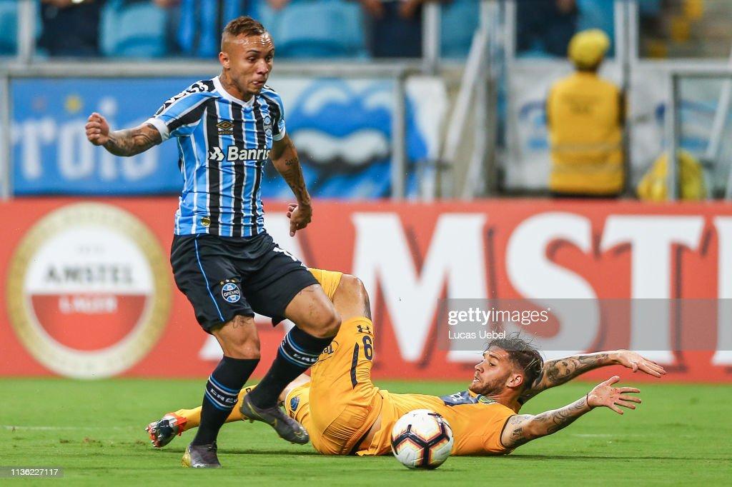 Gremio v Rosario Central - Copa CONMEBOL Libertadores 2019 : News Photo
