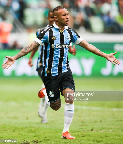 Everton of Gremio celebrates after scoring the first goal of his team during the match against Palmeiras for the Brasileirao Series A 2019 at Allianz...