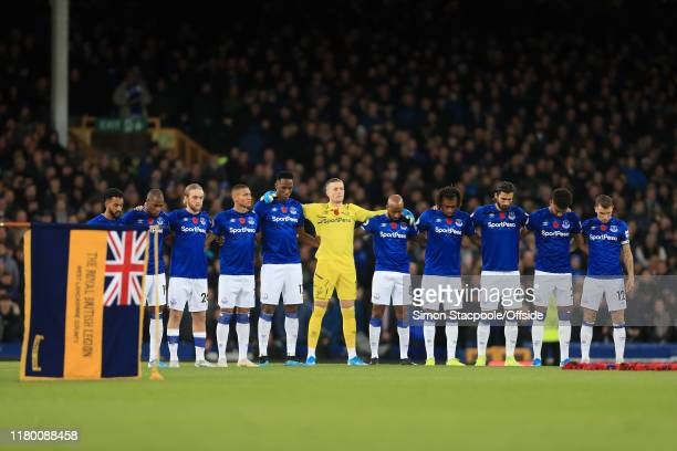Everton players line up to observe a minute's silence ahead of Remembrance Day during the Premier League match between Everton FC and Tottenham...