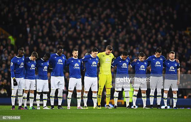Everton players observe a minutes silence for the victims of the plane crash involving the Brazilian club Chapecoense prior to the Premier League...