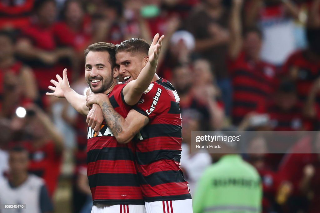 Everton Ribeiro ( L ) and Gustavo Cuellar of Flamengo celebrate a scored goal during a Group Stage match between Flamengo and Emelec as part of Copa CONMEBOL Libertadores 2018 at Maracana Stadium on May 16, 2018 in Rio de Janeiro, Brazil.