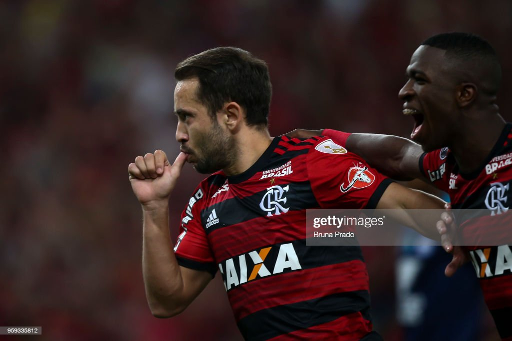 Everton Ribeiro and Vinicius Junior of Flamengo celebrate a scored goal during a Group Stage match between Flamengo and Emelec as part of Copa CONMEBOL Libertadores 2018 at Maracana Stadium on May 16, 2018 in Rio de Janeiro, Brazil.
