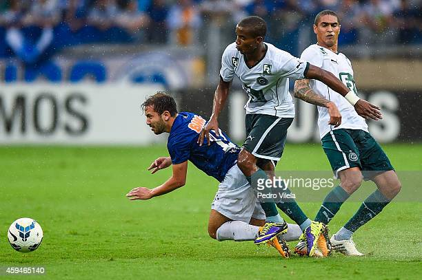 Everton Ribeiro of Cruzeiro and Thiago Mendes of Goias battle for the ball during a match between Cruzeiro and Goias as part of Brasileirao Series A...