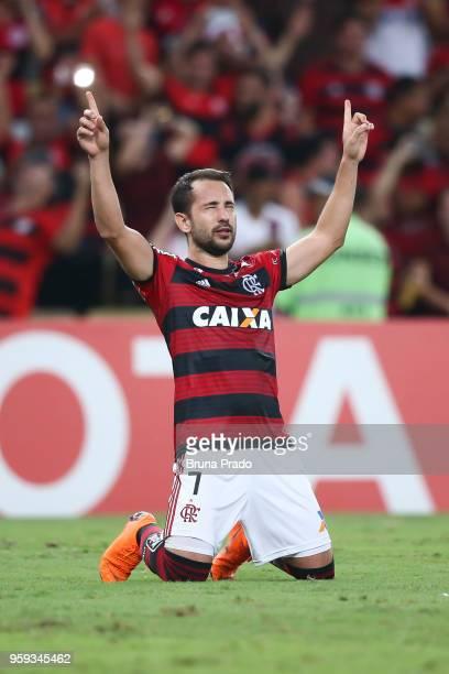 Everton Ribeiro of Flamengo celebrates a scored goal during a Group Stage match between Flamengo and Emelec as part of Copa CONMEBOL Libertadores...