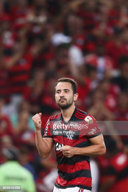 Everton Ribeiro of Flamengo celebrates a scored goal during a Group Stage match between Flamengo and Emelec as part of Copa CONMEBOL Libertadores...