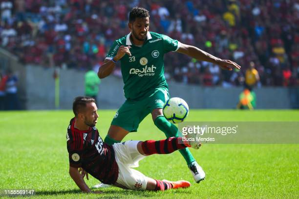 Everton Ribeiro of Flamengo struggles for the ball with Yago of Goias during a match between Flamengo and Goias as part of Brasileirao Series A 2019...