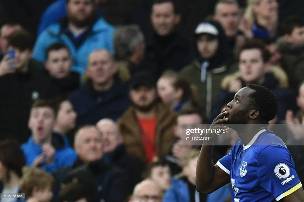 Everton's Belgian striker Romelu Lukaku celebrates scoring their second goal during the English Premier League football match between Everton and Sunderland at Goodison Park in Liverpool, north west England on February 25, 2017. / AFP / Oli SCARFF / RESTRICTED TO EDITORIAL USE. No use with unauthorized audio, video, data, fixture lists, club/league logos or 'live' services. Online in-match use limited to 75 images, no video emulation. No use in betting, games or single club/league/player publications. /