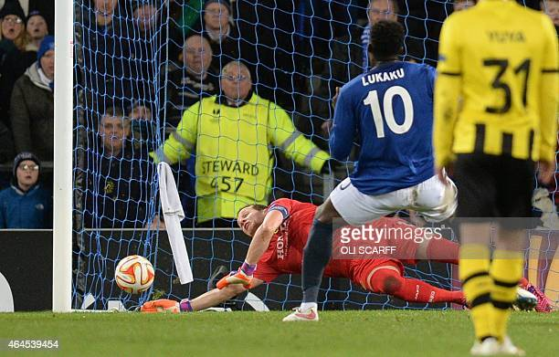 Everton's Belgian striker Romelu Lukaku scores the 11 after a penalty past Young Boys' Swiss goalkeeper Marco Wolfli during the UEFA Europa League...