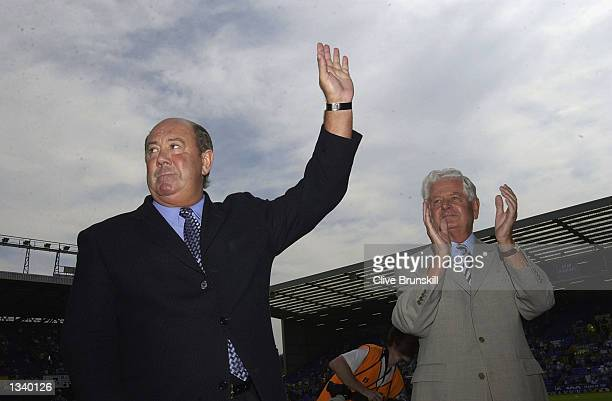 Evertons ex manager Howard Kendall and chaiman Sir Philip Carter before the Everton v Tottenham Hotspur Barclaycard Premiership match played at...
