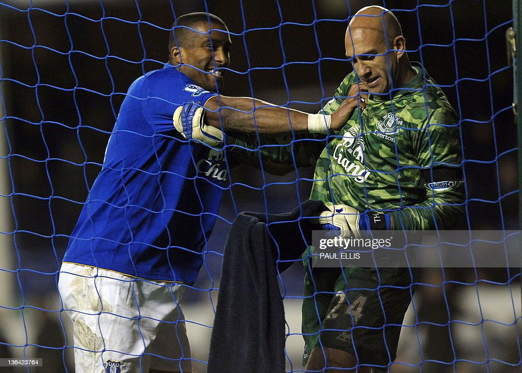 Everton's French defender Sylvain Distin : News Photo