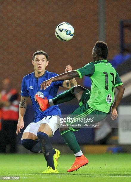 Everton's Muhamed Besic and Celta Vigo's Levy Madinda battle for the ball