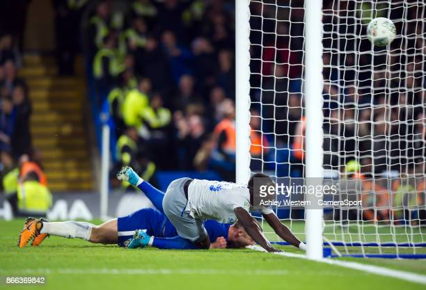Everton's Oumar Niasse sees the ball over the line as Dominic CalvertLewin gets a goal back during the Carabao Cup Fourth Round match between Chelsea...