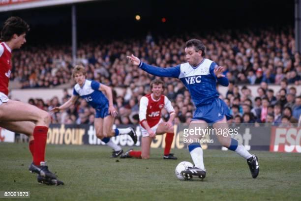 Everton's Peter Reid on the ball against Arsenal at Highbury April 12th 1986 Everton won 10
