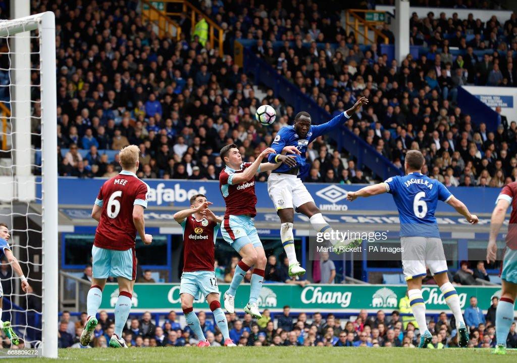 Everton v Burnley - Premier League - Goodison Park : News Photo