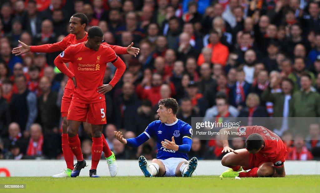 Liverpool v Everton - Premier League - Anfield : Nachrichtenfoto