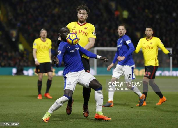 Everton's Senegalese striker Oumar Niasse vies with Watford's Dutch defender Daryl Janmaat during the English Premier League football match between...