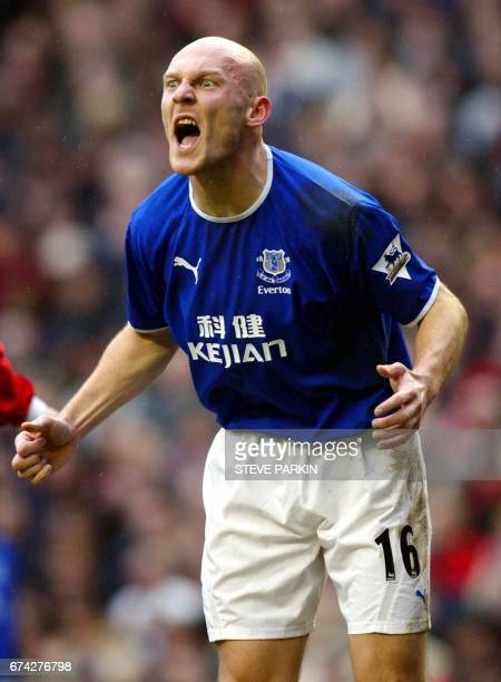 Everton's Thomas Gravesen reacts after missing a shot against Liverpool during their premiership match at Anfield in Liverpool, 31 January 2004. AFP...