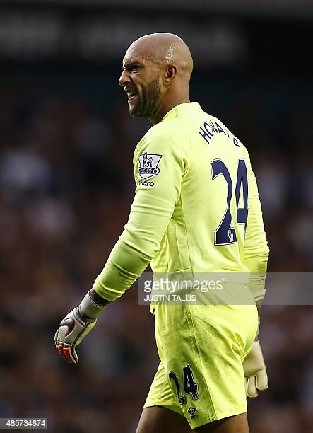 Everton's US goalkeeper Tim Howard is pictured during the English Premier League football match between Tottenham Hotspur and Everton at White Hart...