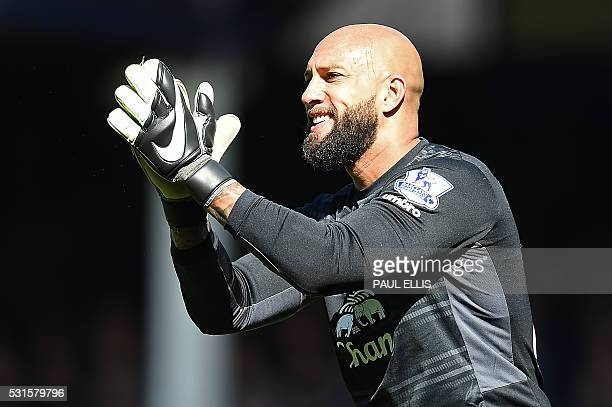 Everton's US goalkeeper Tim Howard reacts during the English Premier League football match between Everton and Norwich City at Goodison Park in...