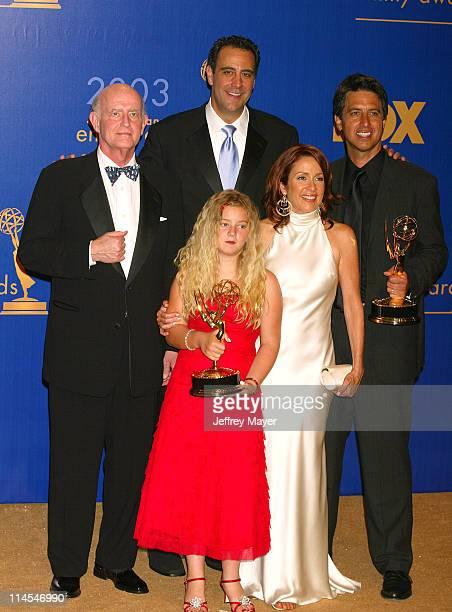 Everybody Loves Raymond cast members from left Peter Boyle Brad Garrett Madylin Sweeten Patricia Heaton Ray Romano won for Best Comedy Series