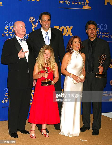 Everybody Loves Raymond cast members from left Peter Boyle Brad Garrett Madylin Sweeten Patricia Heaton Ray Romano won for Best Comedy Series