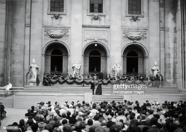 """""""Everyman"""" by Hugo von Hofmannsthal played at the Domplatz in Salzburg for the first time. Salzburger Festspiele. Photography. 1920. [Hugo von..."""