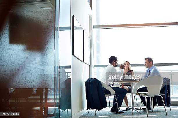 everyone is getting on the same page - business strategy stock photos and pictures