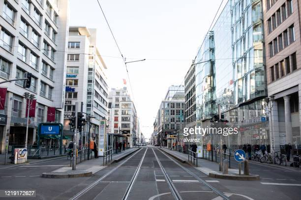 everything closed on berlin's friedrichstrasse due to coronavirus - central berlin stock pictures, royalty-free photos & images