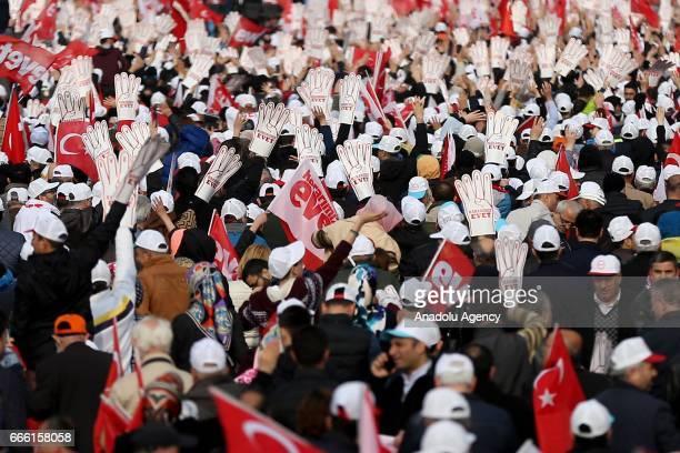 'Evet Platformu' tarafndan Yenikap Meydan'nda düzenlenen Cumhurbakan Recep Tayyip Erdoan ve Babakan Binali Yldrm'n katlaca 'stanbul Bulumas' balad