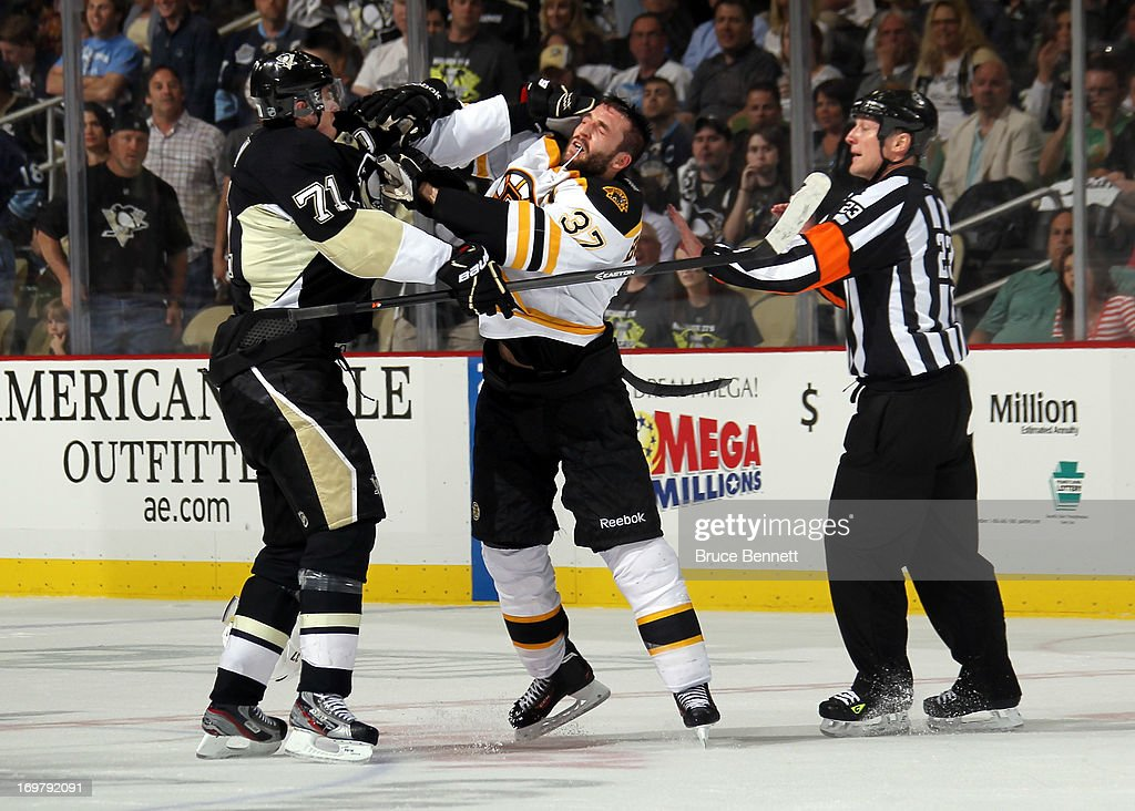 Boston Bruins v Pittsburgh Penguins - Game One