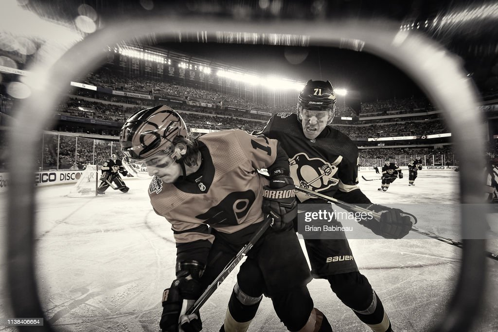 2019 Coors Light NHL Stadium Series - Pittsburgh Penguins v Philadelphia Flyers : News Photo