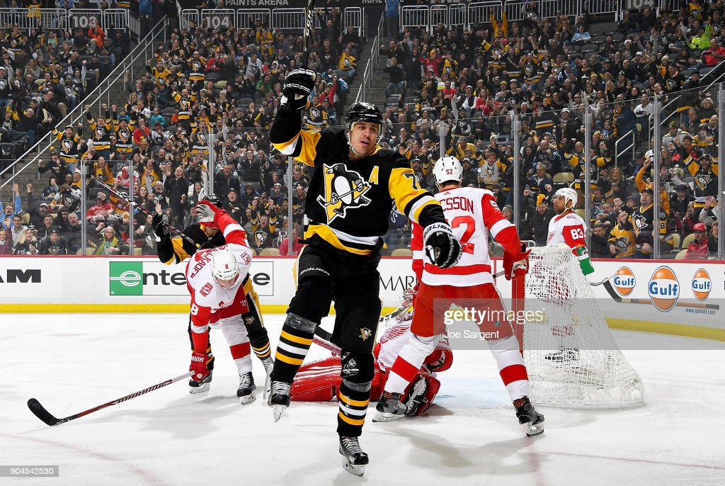 Evgeni Malkin #71 of the Pittsburgh Penguins celebrates his first period goal against the Detroit Red Wings at PPG Paints Arena on January 13, 2018 in Pittsburgh, Pennsylvania.