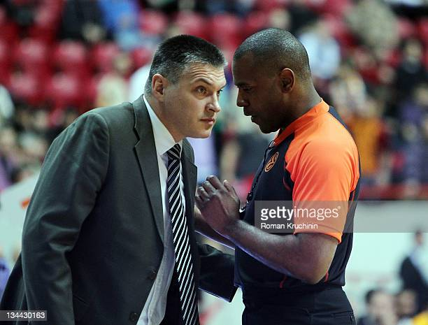 Evgeny Pashutin Head Coach of Unics Kazan and referee Eddie Viator during the 20112012 Turkish Airlines Euroleague Regular Season Game Day 7 between...
