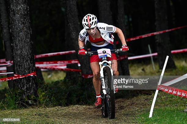 Evie Richards of Great Britain competes in the Women Junior CrossCountry Olympic race during day 3 of the UCI Mountain Bike Trials World...