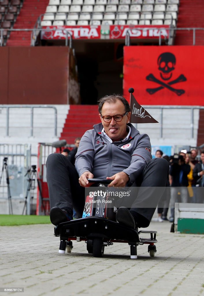 Ewald Lienen, technical director of St. Pauli in action during the viva con aqua social e-cart race at Millerntor Stadium on August 22, 2017 in Hamburg, Germany.