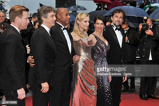 """Ewan McGregor, Alexander Payne, Raoul Peck, Diane Kruger, Hiam Abbass and Nanni Moretti at the premiere for """"Amour"""" during the 65th Cannes..."""