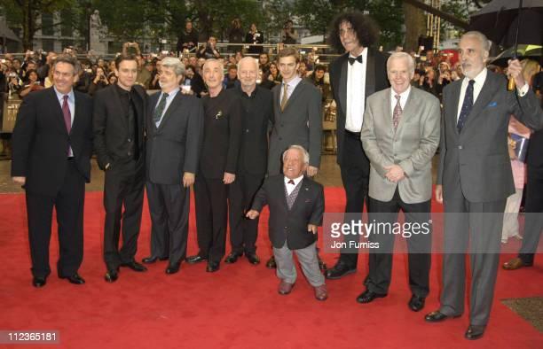 Ewan McGregor, George Lucas, Anthony Daniels, Ian McDiarmid, Hayden Christensen and Kenny Baker
