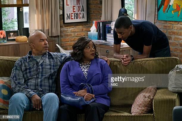 "Ex Con"" Episode 204 -- Pictured: David Alan Grier as Joe Carmichael, Loretta Devine as Cynthia Carmichael, Jerrod Carmichael as Jerrod Carmichael --"
