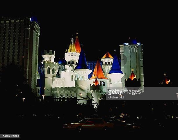 Excalibur Hotel bei Nacht 1994