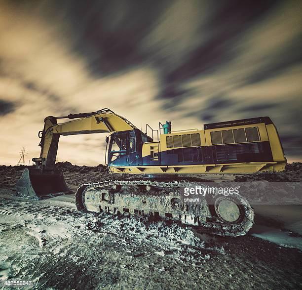 Excavating die Nacht